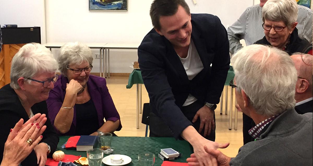 Tryllekunstner Anders Møller til julefrokost